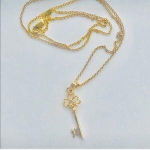 Jewelry - 14k heart key necklace ❤️